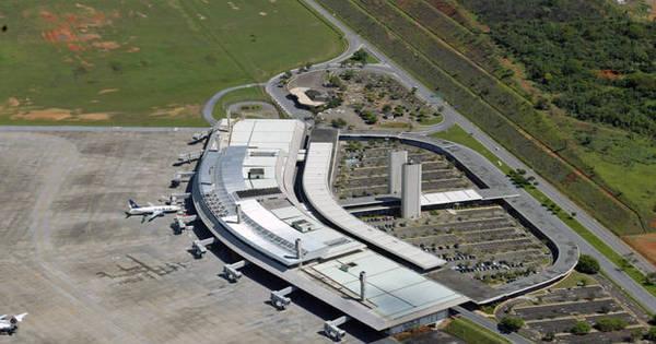 Greve dos aeroviários atrasa cinco vôos no aeroporto de Confins (MG)