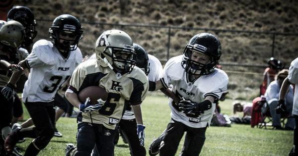 Garotinha prodígio de 11 anos acaba com meninos no futebol ...
