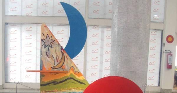 De Picasso a Andy Warhol: confira árvores de Natal de designers ...