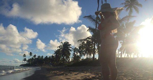 Fruta no ponto! Mulher Melão dá cartilha para ficar em forma no verão