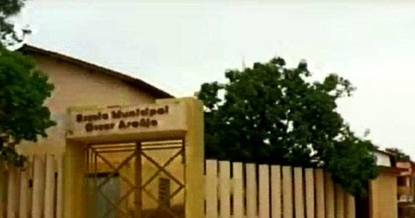 Ladrões levam comida e leite de escola e deixam veneno no local - R7