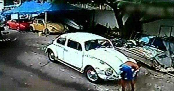 Adolescente bate Fusca roubado e tenta vender o carro por R$ 4.300 - R7