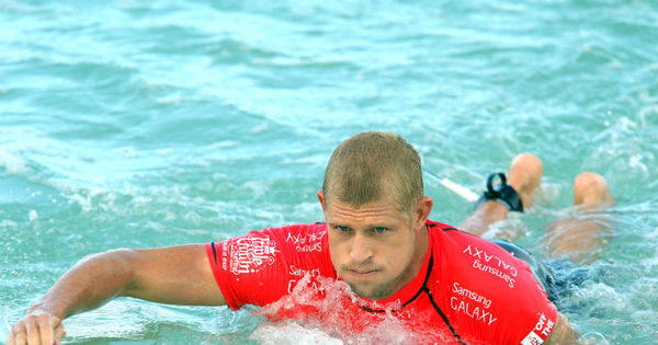 Fanning faz doação de R$ 190 mil a surfista australiano atacado por ...