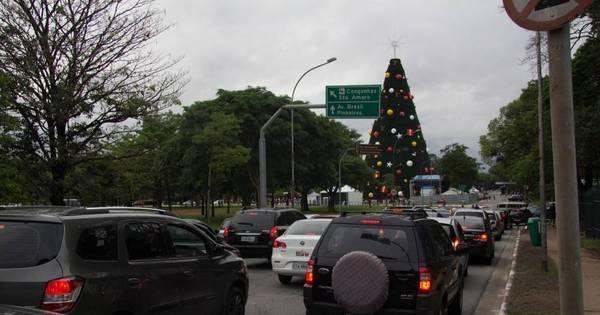 Inauguração da Árvore de Natal do Ibirapuera causa lentidão no ...