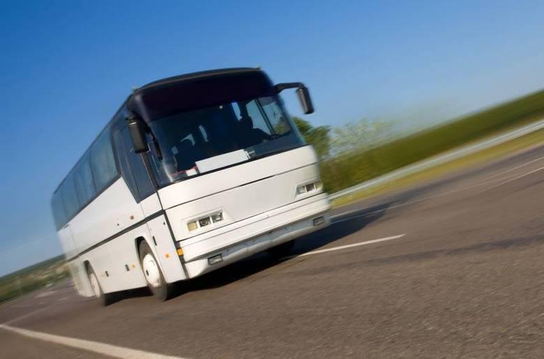 Quem for viajar de ônibus deve estar atento aos horários de partida. Se a empresa atrasar por mais de uma hora, o consumidor pode solicitar outra passagem para outro dia ou horário ou até mesmo solicitar o reembolso