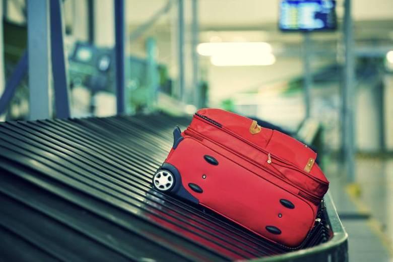 É importante também cuidar das bagagens. Por isso, todas as malas devem conter seu nome, endereço completo e telefone. Isso porque, no caso de um extravio, com essas informações, será mais fácil contatar o dono