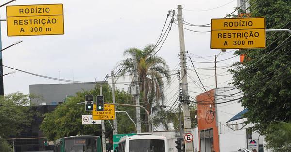 Rodízio de veículos continua suspenso em SP na saída para o Ano ...