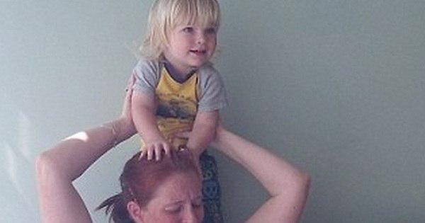 Mãe amamenta trigêmeas de 3 anos e diz que continuará ...