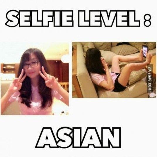 Quem não tem o famoso acessório, pode tentar fazer selfies em um nível elevado, o dos asiáticos!
