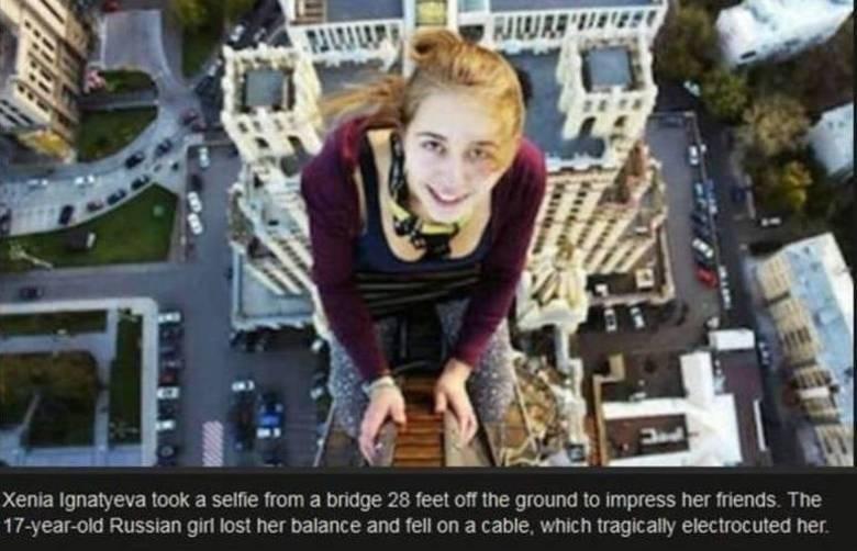 Além das selfies polêmicas, tivemos também as selfies 'mortais'! Algumas pessoas simplesmente não tiveram sorte ao tentar capturar a melhor foto possível. Essa menina de 17 anos,Xenia Ignatyeva, caiu de uma ponte de nove metros em São Petersburgo, na Rússia quando tentava tirar uma foto para postar nas redes sociais