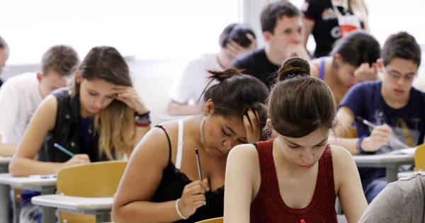 Fuvest 2015: candidatos iniciam provas no último dia da 2ª fase ...