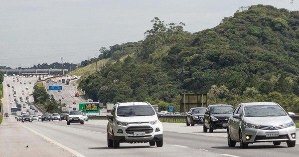 Estradas de SP têm lentidão na saída para Ano Novo - Notícias - R7 ...