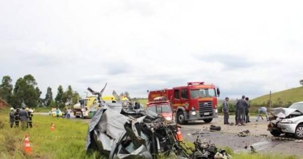 Grave acidente na BR-040 mata cinco pessoas da mesma família ...