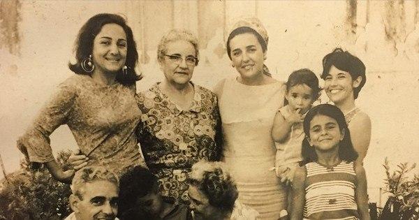 Daniela Mercury relembra infância em foto de família ...