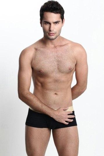 Arniquiras tem como representante Kaique Magalhães, com 1,76m e 22 anos de idade. Ele é modelo e atleta