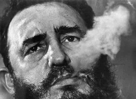 Confira táticas inusitadas usadas pelos EUA para matar Fidel Castro