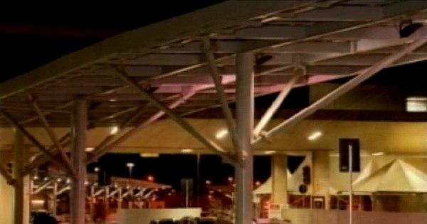 Briga entre taxistas e motoristas clandestinos no Aeroporto de ...