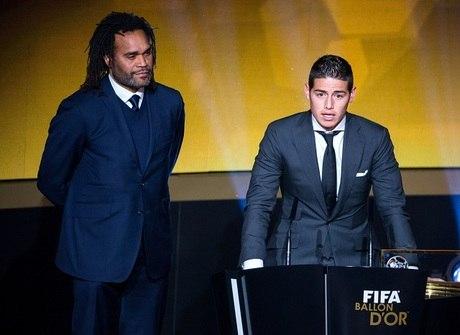 Relembre os craques que foram esnobados na premiação da Fifa