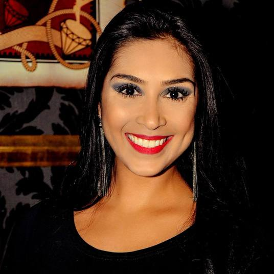 Amanda Djehdian já tem a torcida da ex-BBB Clara Aguilar. Porém, parece que o público não curtiu a empresária paulista de 28 anos