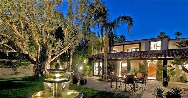 Estrela internacional aluga casa de luxo em Hollywood a anônimos ...