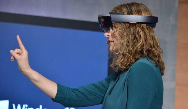 É o futuro chegando! Veja como as pessoas usarão o HoloLens nos próximos anos
