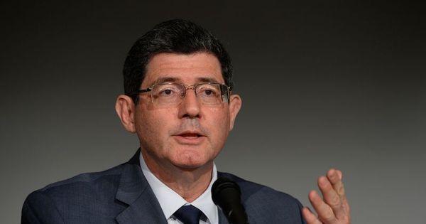 Seguro-desemprego é benefício ultrapassado, diz ministro da ... - R7