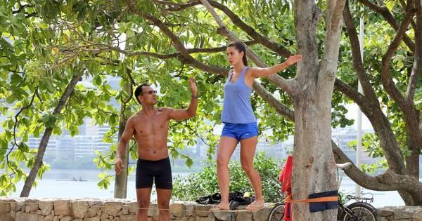 Letícia Wiermann pratica exercícios na Lagoa Rodrigo de Freitas ...