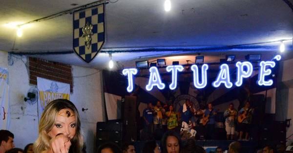Pri Santtana mostra samba no pé em ensaio da Acadêmicos do ...