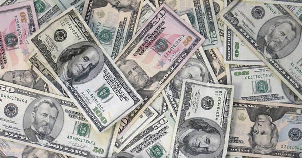 Dólar cai novamente, renova a mínima em mais de 1 ano e caminha ...