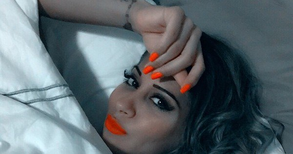 Exagerada? Mayra Cardi dorme maquiada para acordar linda ...