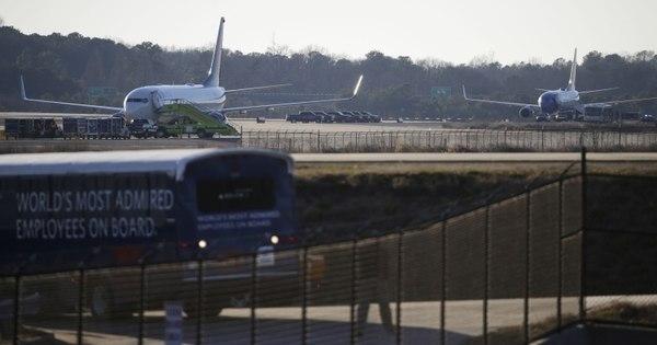 Aviões pousam nos EUA após ameaças de bomba - R7