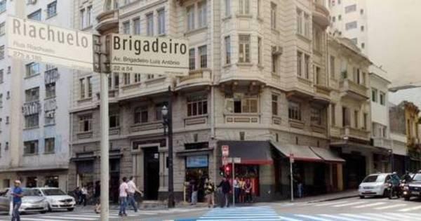 Faixa de pedestres diagonal no cruzamento da Ipiranga com a São ... - R7