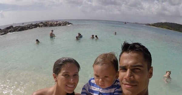 Micael Borges curte férias ao lado da família em lugares ...