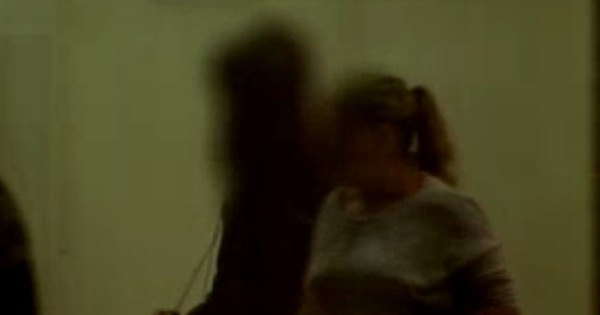 Adolescentes são estupradas e mantidas em cárcere privado na ... - R7