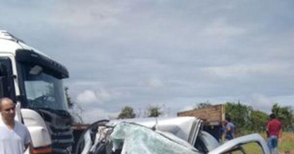Enterro de homem e quatro filhos vítimas de acidente ocorre com ... - R7