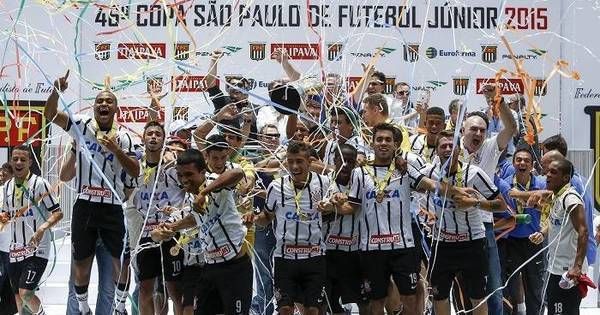 Maior campeão da história, Corinthians joga pelo 10º título da ...