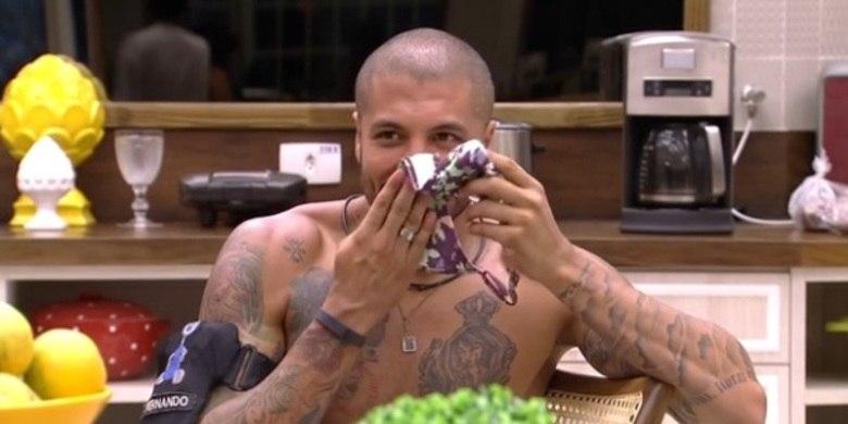 Durante todo o confinamento, Fernando adotou a famosa 'carequinha'