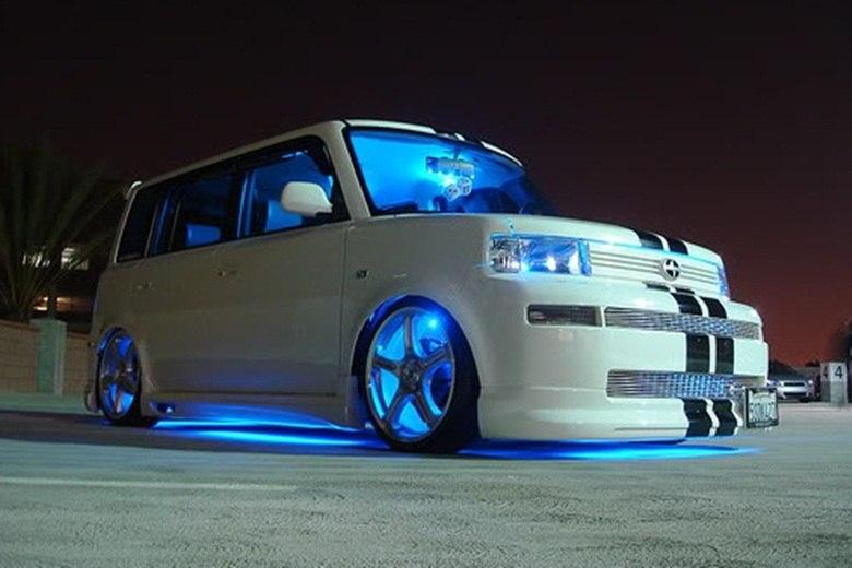 Tem quem goste de iluminar a cabine no mesmo tom das rodas
