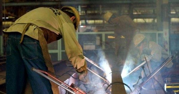 Produção industrial no Brasil cai em outubro e tem quinto resultado ...