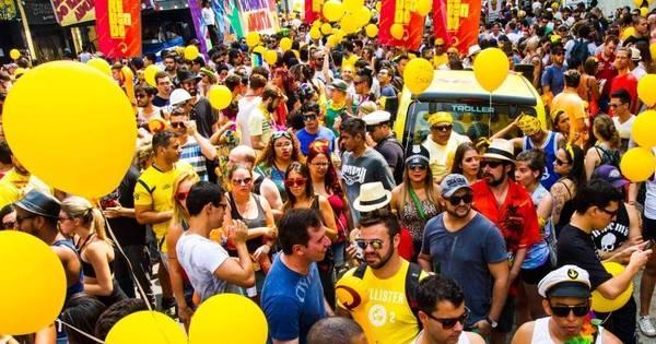 Paulistanos caem na folia no último domingo antes do Carnaval ...