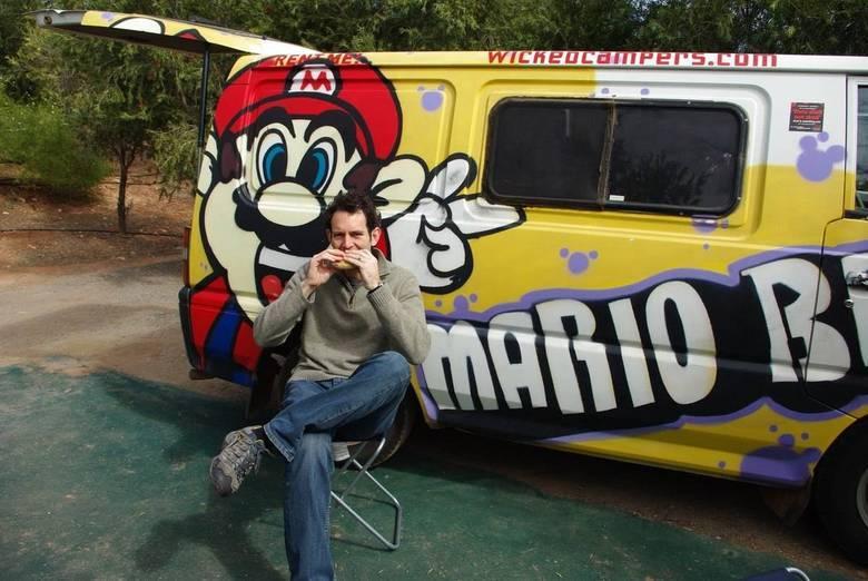 Já pensou ter um Food Truck do Mario Bros, o encanador mais conhecido do mundo? Esse rapaz teve a ideia