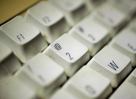 Entenda o significado de algumas palavras populares da internet