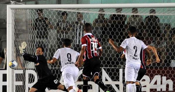 Rogério Ceni tem noite memorável e garante empate sem gols no ...