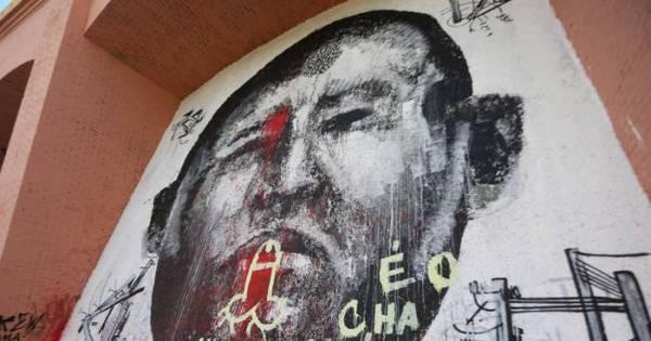 Suposta pintura do Hugo Chávez aparece pichada na zona sul de ...