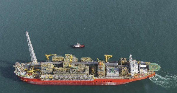 Auditoria conclui inspeção em navio-plataforma que explodiu no ES ...