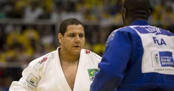 Brasileiro volta à liderança do ranking mundial de judô - Rede ...