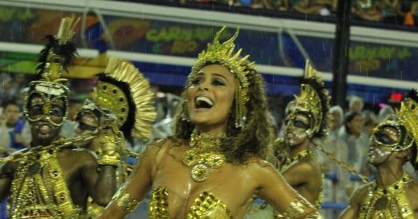 Juliana Paes e Rafael Nadal marcam presença em desfile da ...
