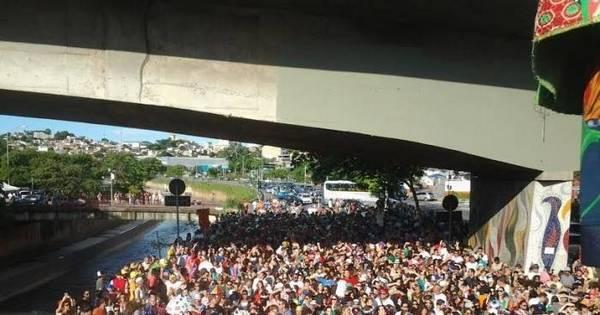 Sem parar!! Alcova Libertina colore a avenida dos Andradas - Fotos ...