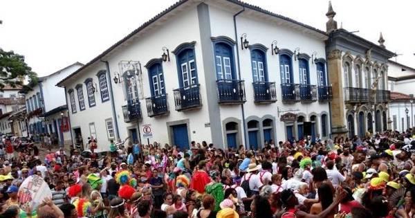 Tragédia afasta turistas do carnaval de Mariana - Notícias - R7 ...