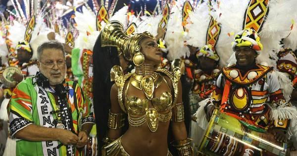 Emocionada, Cris Vianna arrasa como rainha africana na Sapucaí ...
